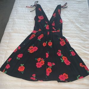 Express - sleeveless floral dress